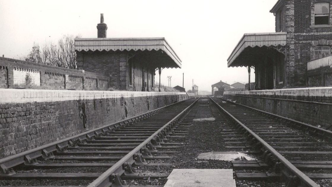 Haverhill-rail-station-in-1967-after-it-closed.jpg